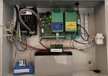 Centrale d'alarme TP 10 42 avec carte réseau et interface téléphonique GSM GPRS 3G