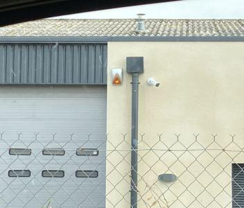 Sirène extérieure & caméra de vidéo protection pour entreprise